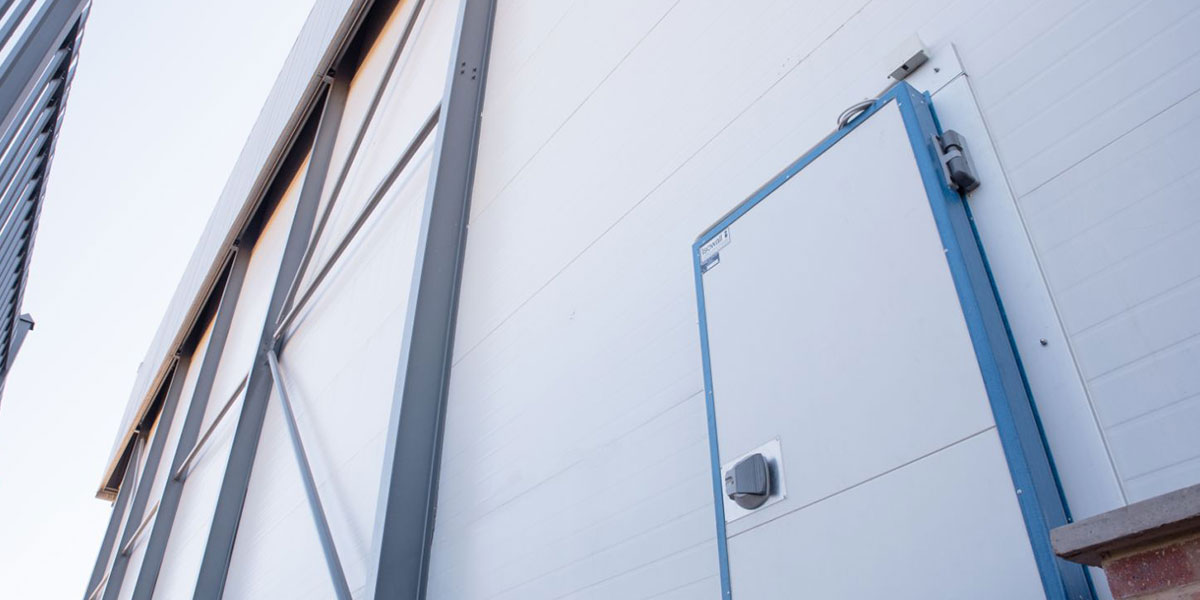 5 Tips for Cleaning Insulated Panels in Cold Rooms | Isowall